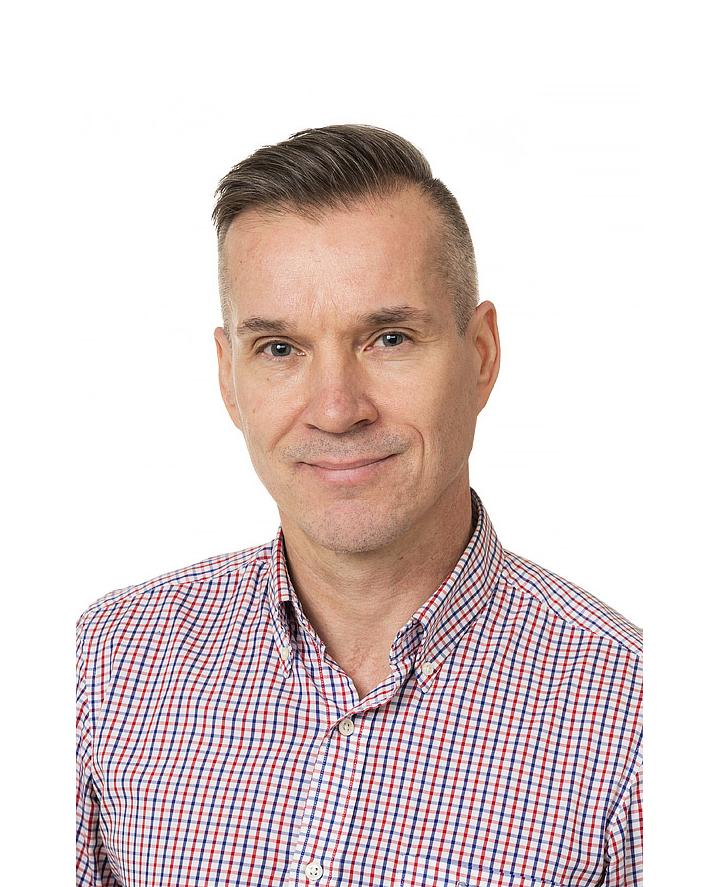 Esittelyssä Jari Paakkunainen