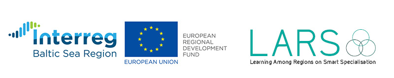 Kuvassa Interreg Baltic Sea Region teksti, Eu-lippu sekä teksti LARS Learning Among Regions on Smart Specialisation.